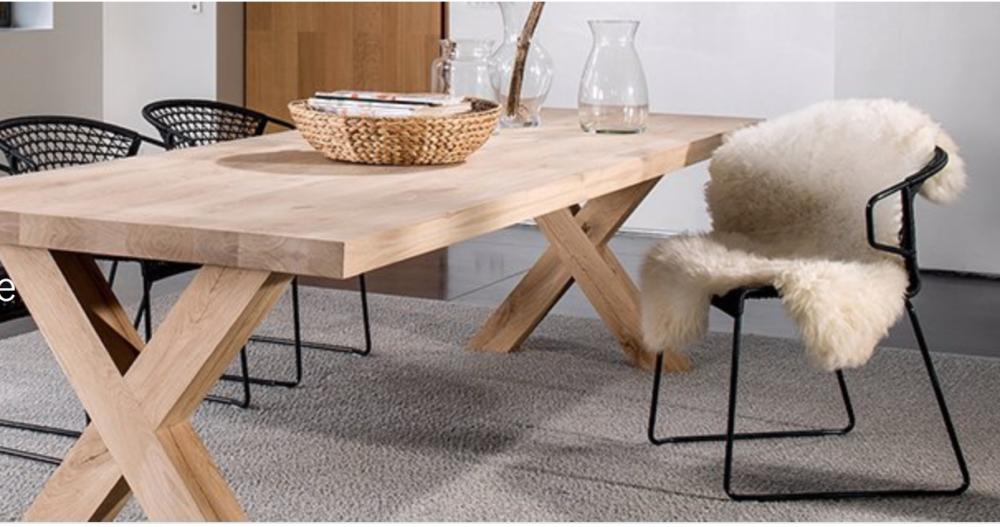mooie houten tafel