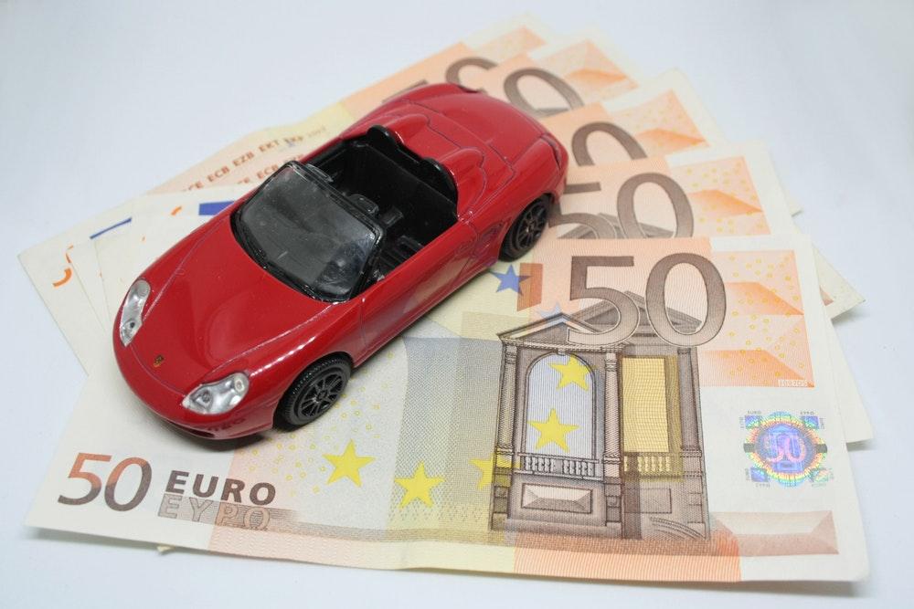 De premie van een autoverzekering berekenen