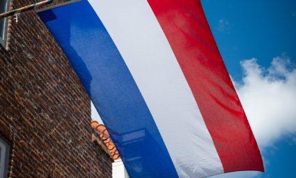 Waar moet je je aan houden als je een vlag op wilt hangen?